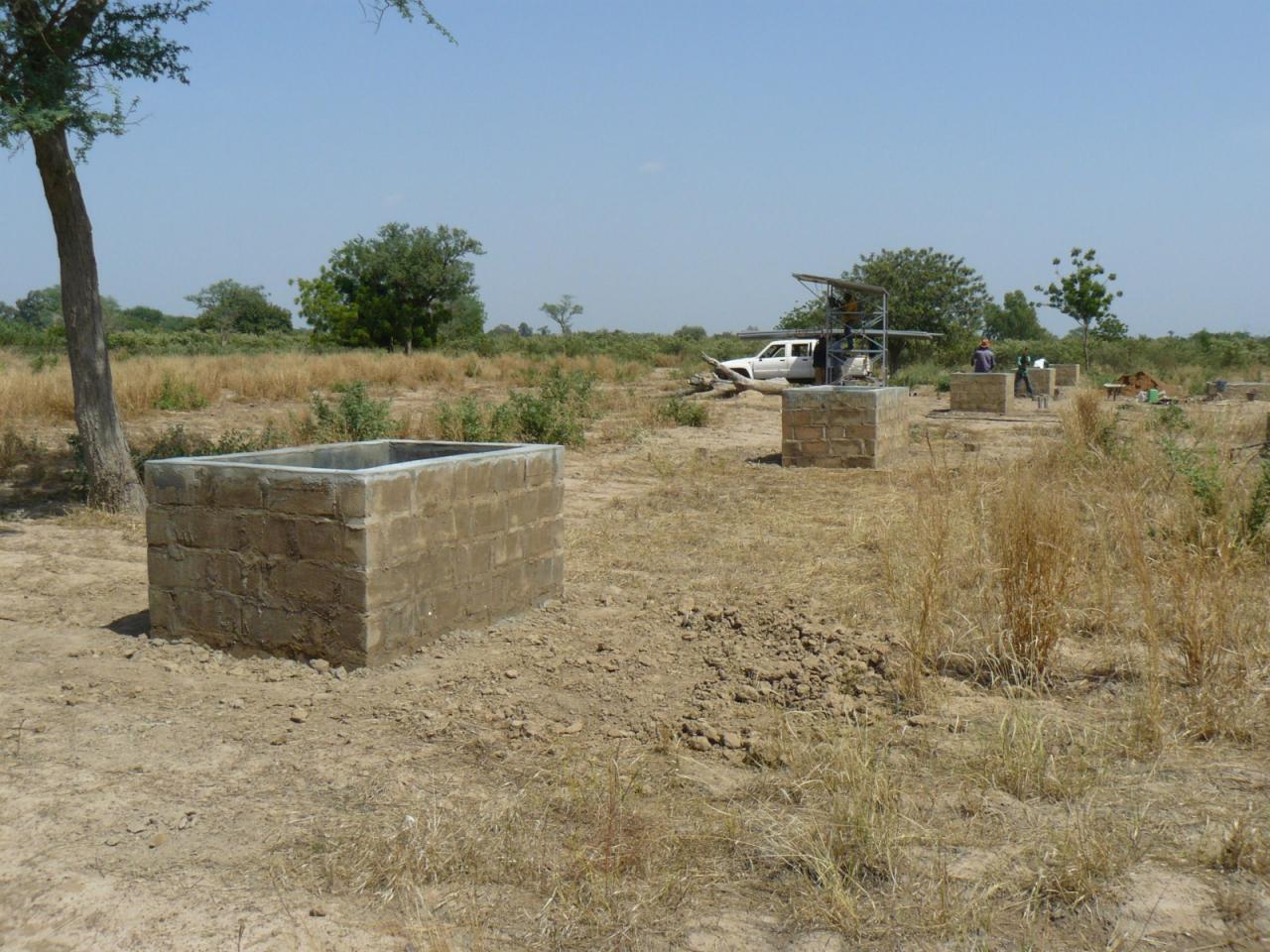 Bassan- jardin-les 5 bacs à eau construits