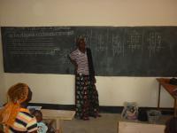 Les femmes en seance d alphabetisation
